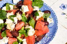Melonsalat med agurk, feta og oliven