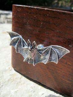 bat drawer handles..kinda cool