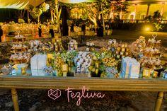 Bello montaje en mesa de espejo de Margarita Zoreda, barra de chilitos por Celebra Weddings. #Bodas #Weddings #Mobiliario #CandyBar #MesaDePostres #Feztiva #FeztivaMagazine #Revista #FeztivaRevista
