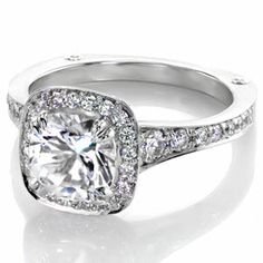 Design 2460 from Knox Jewelers