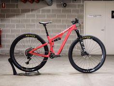Red Free Shipping BIANCHI MTB Bike Bicycle Lock-on Foam Locking Grips