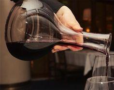 El vino más dulce, el vino de Oporto.. Es un #vino tinto y dulce al que se le relaciona como es lógico con la ciudad portuguesa que le da nombre.