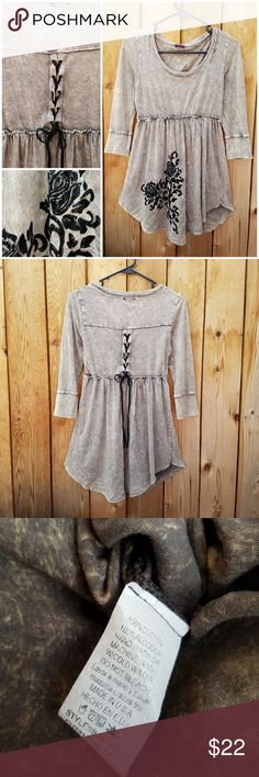 TParty Taupe Lace Up Back Velvet Floral Detail Top So cute! Floral design and back lacing are both black velvet  Excellent condition  Feel free to ask me any additional questions! No trades, or modeling. Reasonable offers are considered. Bundles 3+ are 15% off!! Happy Poshing T Party Tops