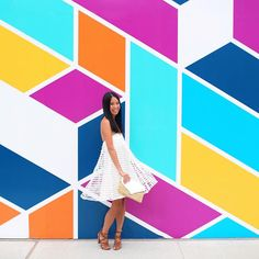Find the best walls in Chicago with our Wall Crawl guide! Instagram Wand, Instagram Worthy, Chicago Pictures, Accent Wall Colors, Accent Wall Bedroom, Accent Walls, Murals Street Art, Cool Walls, Paint Designs