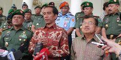 Presiden Joko Widodo hari ini direncanakan akan mengumumkan susunan kabinet hasil reshuffle. Ada beberapa nama menteri yang akan diganti dan ada pula yang pindah meja menjabat di kementerian lain.
