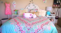 have u ever seen such a perfect room. This is the bedding i want.