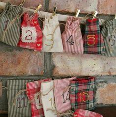 petits sacs DIY en tissu, une décoration de noel suspendue, calendrier de l avent à fabriquer soi-meme