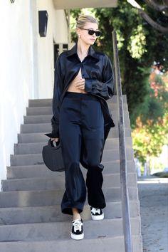 Vogue Fashion, Fashion News, Fashion Models, Models Style, Hailey Baldwin Style, Models Off Duty, Street Style Looks, Minimal Fashion, Feminine Style