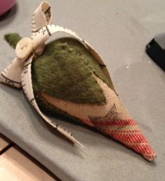 Olde Green Cupboard Designs: strawberry made from antique linen & wool w/taper measure twill