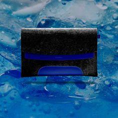 iPad Pro 12.9 inches. Para Apple Pencil. Piel Azul Intenso & Fieltro Negro.