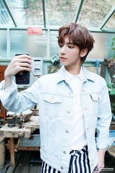 TXT Taehyun Season's Greetings' Behind Photo Sketch Fandom, Kpop, Selca, The Dream, Photo Sketch, Boy Sketch, Daejeon, Wattpad, K Idols