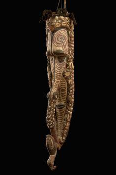 "Mask ""mwei"" Papua New Guinea, Iatmul 20.9 inches"
