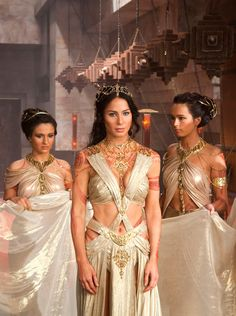 Dejah Thoris From John Carter of Mars portrayed by Lynn Collins.it is like a time warp.interesting how many of these movies hold ancient secrets of the past. Fantasy Girl, Fantasy Dress, Movie Costumes, Cosplay Costumes, Costume Tribal, Egyptian Costume, John Carter Of Mars, Halloween Kostüm, Celebs