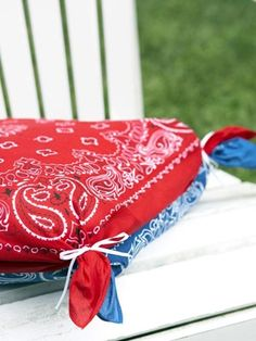 "lantern decor for fourth of july | No-sew pillow covers // ""Spirited Decorations for the Fourth of July"""
