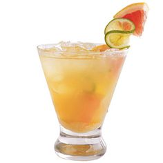 Tennessee Smoky Sipper Stir together cup grapefruit juice, 2 Tbsp. honey, and 1 Tbsp. fresh lime juice in a glass. Fill glass with crushed ice, and top with seltzer water or club soda. Garnish with fresh lime and grapefruit slices. Vodka Cocktails, Cocktail Drinks, Cocktail Recipes, Alcoholic Drinks, Cocktail Glass, Cocktail Shaker, Bar Drinks, Beverages, Martini