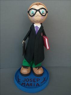 Esta fofucha personalizada de abogado es un encargo que se nos hizo para regalar a Josep Maria!