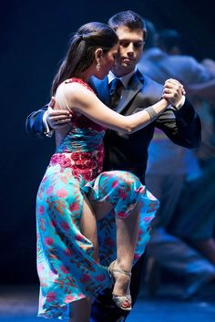 photos of TANGO dancing