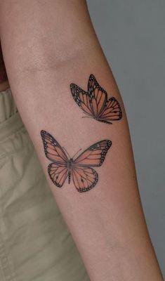 Dainty Tattoos, Dope Tattoos, Pretty Tattoos, Mini Tattoos, Body Art Tattoos, Small Tattoos, Sleeve Tattoos, Tatoos, Monarch Butterfly Tattoo
