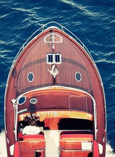 The luxury Swedish boat design and manufacturing company J-Craft Boats, will officially launch the Torpedo in the UAE at the Abu Dhabi Yacht Show. J Craft, Vintage Boats, Chris Craft, Wood Boats, Speed Boats, Power Boats, Water Crafts, The Places Youll Go, Catamaran