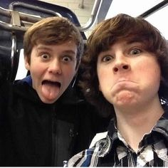 @chandler_riggs1 @therealsamelica