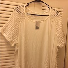 New! Forever 21 crochet sleeves top size 2X Brand new with tags never worn! White, size 2x Forever 21 Tops Tees - Short Sleeve