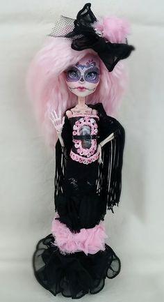 Custom OOAK doll by Skeriosities