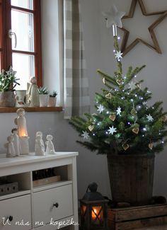 With us on the hill: Christmas pelmel Weekend House, Xmas, Christmas Tree, Google Translate, Holiday Decor, Winter, Blog, Home Decor, Teal Christmas Tree
