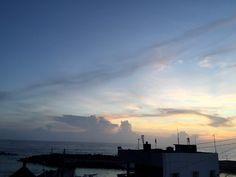 喜歡黃昏的時候,悠閒地散步,仰望天空的變化,看著寧靜的海面。大腦放鬆了,心也平靜了。