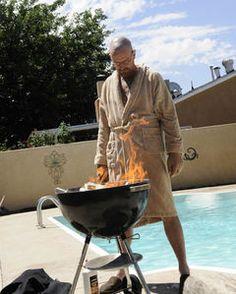 "Walt attempting to burn much of his drug money (""No Más"")"