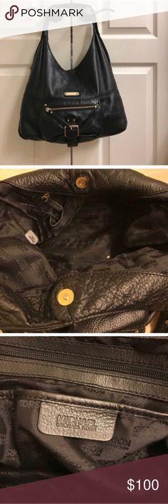 Authentic black leather Michael Kors shoulder bag Authentic black leather Michael Kors shoulder bag Michael Kors Bags Shoulder Bags