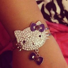 hello kitty bracelet Sister Love, To My Daughter, Cute Jewelry, Jewelry Accessories, Hello Kitty Jewelry, Here Kitty Kitty, Rainbow Loom, Sanrio, Beaded Bracelets