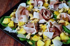 Salata cu spanac, prosciutto si ananas   CAIETUL CU RETETE Healthy Salad Recipes, Prosciutto, Chorizo, Cobb Salad, Goodies, Gluten Free, Cooking, Food, Pineapple