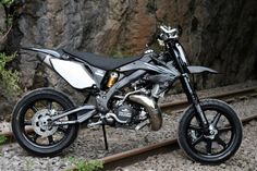 Trick Supermotard Picture Thread - Page 29 - Custom Fighters - Custom Streetfighter Motorcycle Forum