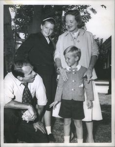 Bette Davis, Gary Merrill and Children Gary Merrill, Bette Davis Eyes, Betty Davis, Ted Kennedy, Film Genres, Old Movie Stars, Marlene Dietrich, Famous Couples, Joan Crawford