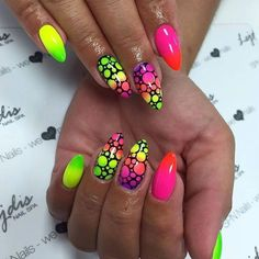 Want some ideas for wedding nail polish designs? This article is a collection of our favorite nail polish designs for your special day. Neon Nail Art, Neon Nails, Love Nails, My Nails, Neon Nail Designs, Short Nail Designs, Nail Polish Designs, Stylish Nails, Trendy Nails