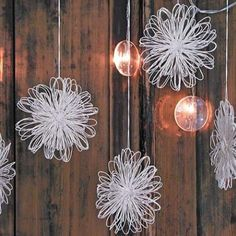 OHJE: Paperilankakukat Kaisoo, Paper Art, Diy And Crafts, Chandelier, Ceiling Lights, Creative, Flowers, Handmade, Christmas Ideas