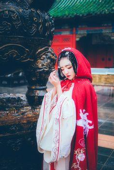 长安月 (mingsonjia:   如梦令 by界音)Traditional chinese costume #hanfu