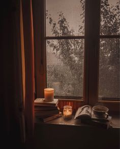 Cozy Aesthetic, Autumn Aesthetic, Autumn Cozy, Fall Pictures, Fall Home Decor, Autumn Inspiration, Inspired Homes, Rainy Days, Fall Halloween