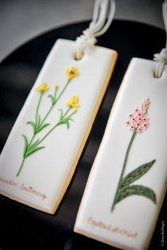biscotti decorati in ghiaccia reale | MyCakes | Stick Cookies | Dunk them in you milk, coffee or tea!