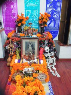 Ofrenda en casa, Dia de muertos Mexico