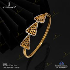 Striking bracelet design for you. Gold Ring Designs, Gold Bangles Design, Gold Earrings Designs, Gold Jewellery Design, Gold Bracelet For Women, Womens Jewelry Rings, Gold Bangle Bracelet, Fancy Jewellery, Gold Jewelry Simple