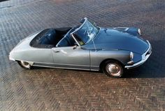 Summer love Starring: Citroën DS Cabriolet (by Marc Tavernier) Citroen Ds, Automobile, S Car, Love Stars, Amazing Cars, Summer Of Love, Cars And Motorcycles, Super Cars, Convertible