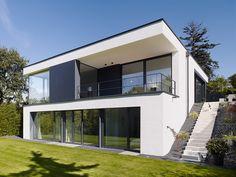 Kröger Daniels Architekten - Haus in Bonn Poppelsdorf Facade Architecture, Concept Architecture, Residential Architecture, Villa Design, Modern House Design, Design Design, Hillside House, Detached House, House Facades