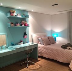 Awesome ideas to make your girls bedroom match their needs and dreams. Create a fun and stylish bedroom for young girls and teenagers with our inspiration. Awesome Bedrooms, Beautiful Bedrooms, Dream Rooms, Dream Bedroom, Diy Room Decor, Bedroom Decor, Home Decor, Bedroom Storage, Teen Girl Bedrooms