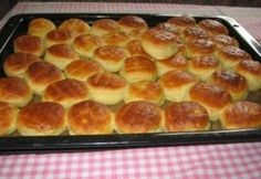 Griddle Pan, Hot Dog Buns, Scones, Pizza, Cooking Recipes, Cookies, Cake, Food, Potato