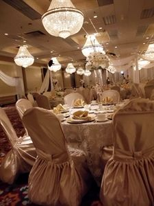 Host Your Event At Causeway Bay Hotel Convention Center In Lansing Michigan Mi Use Eventective To Find Meeting Wedding And Banquet Halls