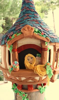 Check out Rapunzel's house/cake made for a 10 year old girl's birthday party. It is AMAZING-See all the photos