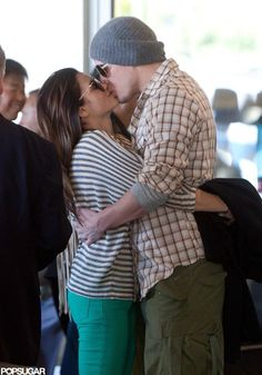 Nothing says romance like Los Angeles International Airport. At least Channing Tatum and his wife, Jenna Dewan, seem to think so! Movie Couples, Famous Couples, Cute Couples, Power Couples, Green Skinnies, Green Jeans, Chaning Tatum, Jenna Dewan, Toni Braxton