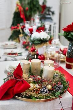 Weihnachten Styletable,     Weihnachtsdekoration, Weihnachtsdeko,  Weihnachtskränze, Weihnachtskerzen,  Tischdeko  Ideen, Tischdeko Weihnachte, Tischdekoration Weihnachten, Weihnachtstisch, Weinachten  Deko Ideen, Winterrezepte, festliches Geschirr,  funkelnder Weihnachtstisch, rote und weiße  Tischdeko, Weihnachtsdekoration rot, Christmas decoration, red decoration,  Christmas recipes ideas, Christmas wreath, table decoration christmas Decoration Christmas, Decoration Table, Advent, Recipes, Furniture, Home Decor, Noel, Christmas Time, Christmas Decorations