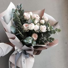 "1,843 Likes, 5 Comments - 플로리스트 이주연 florist Lee Ju Yeon (@vanessflower) on Instagram: "". Lesson Order Katalk ID vaness52 E-mail vanessflower@naver.com . #vanessflower #vaness #flower…"""